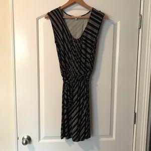 LOFT tie waist dress